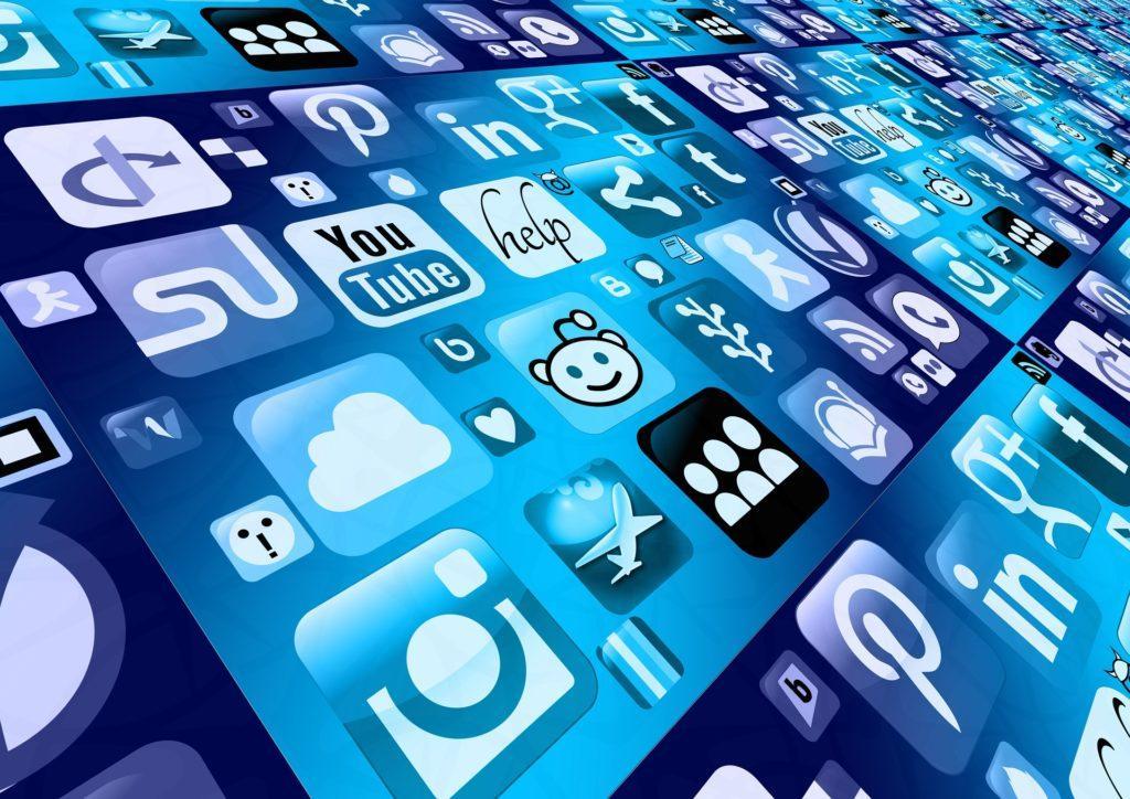 Bloggevents: Få kontakt med bloggere på sosiale medier.