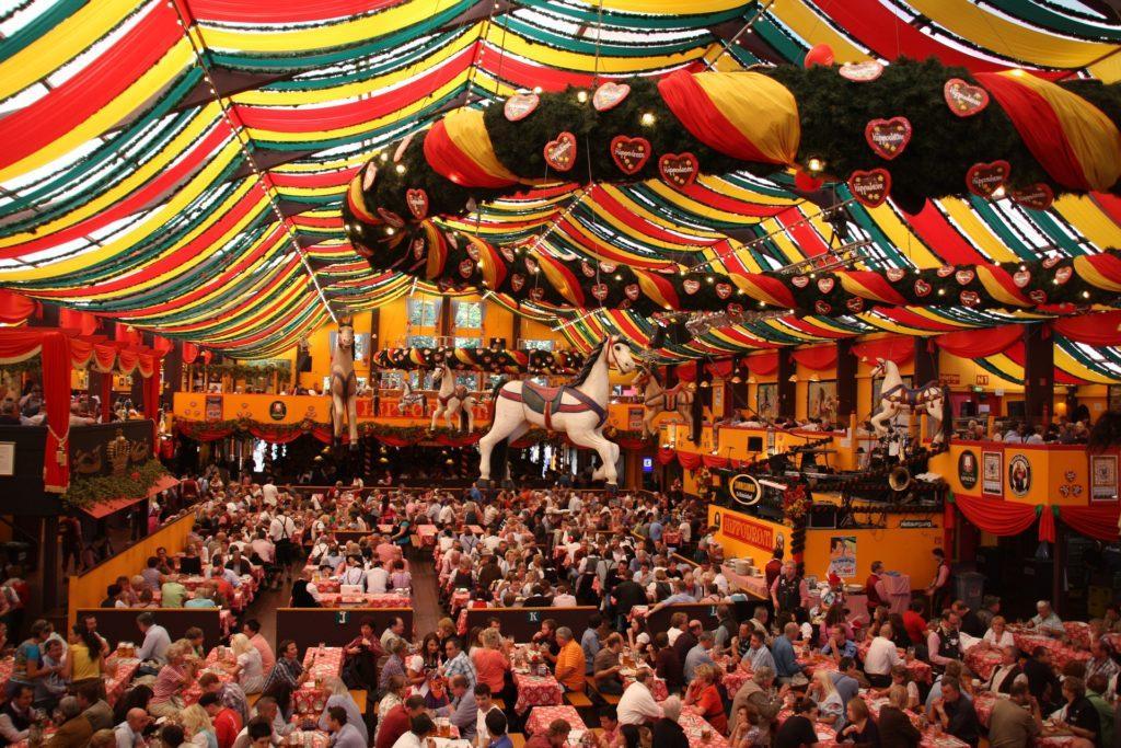 Ideer til Oktoberfest-events: Slik ser det ut på innsiden.